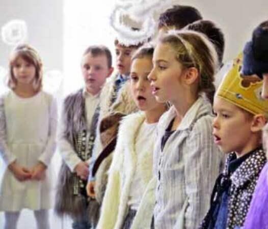 gyerekek énekelnek