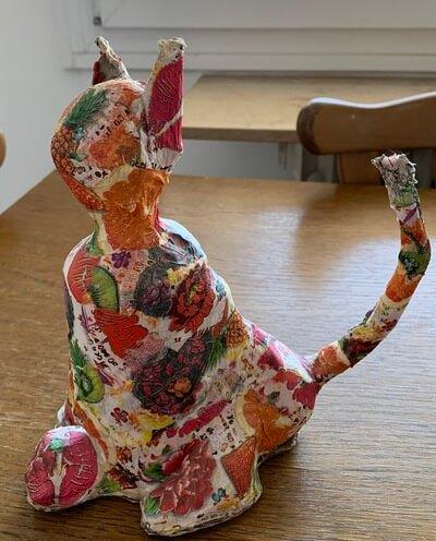 papírmasé macska dekupázzsal