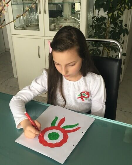 Császár Liliána - március 15. - kokárda festése